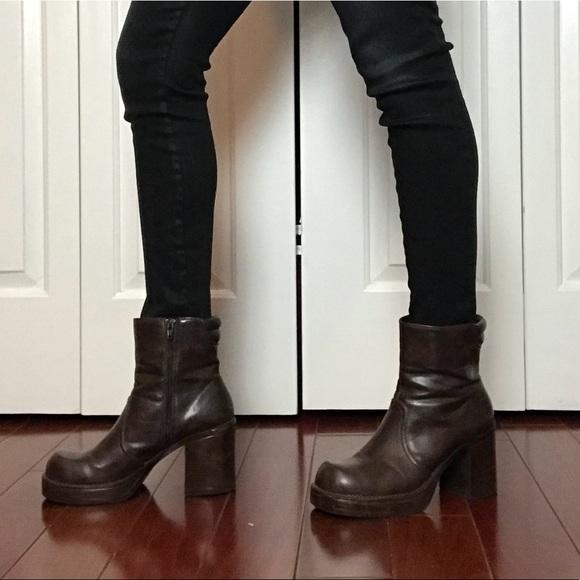 b58cbad87d61 1990 s Vintage L.E.I. Chunky Platform Ankle Boots.  M 5b8b2448dcf85535ad13fb7f